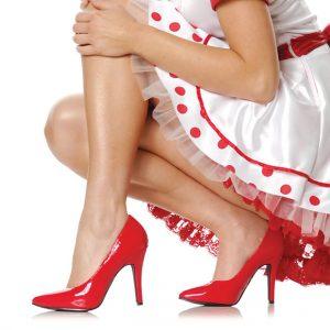 обувь на высоком каблуке - одна из причин варикоза